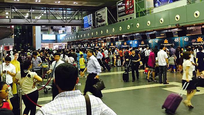 Về Việt Nam ăn Tết bị bẻ khoá lấy trộm hành lý tại sân bay